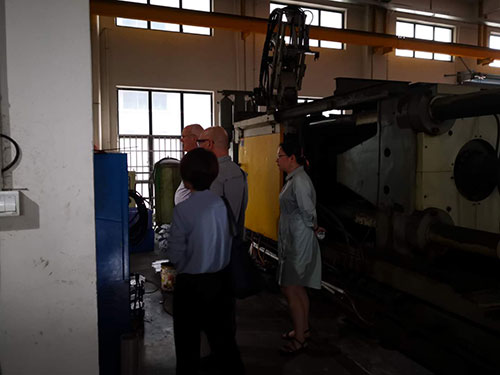 Russian customers visit our injection molding plant | Smart